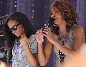 Whitney Houstons datter er død